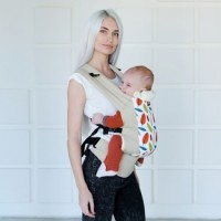 DLight ergonomic baby carrier - Leaves
